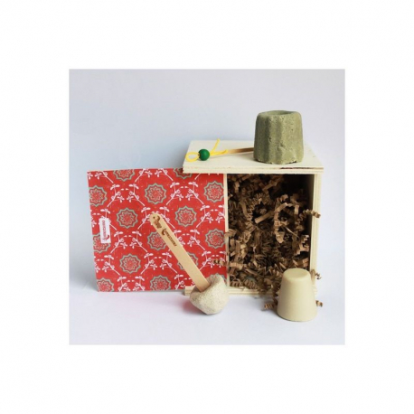 Coffret cadeau Zéro déchet Lamazuna (1shampoing solide, 1dentifrice solide, 1déodorant solide, 1oriculi)